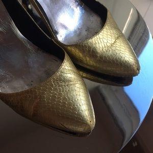 Vintage Gold Snakeskin Heels! ✨